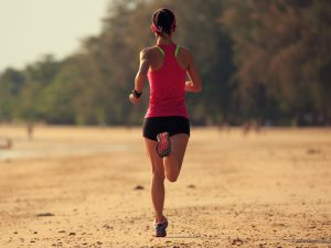 correr na rareia ou no asfalto